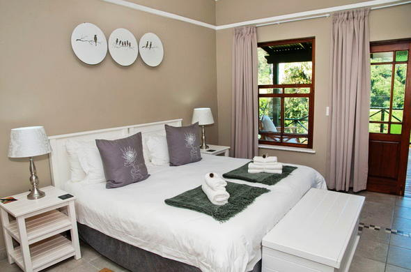 Blackwaters River Lodge has comfortable accommodation.