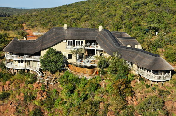Clifftop Exclusive Safari Hideaway aerial view.