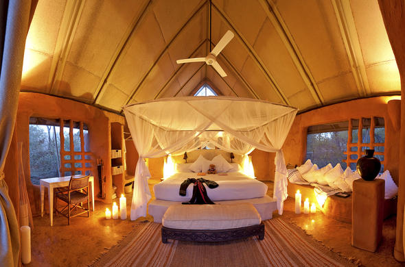 Garonga Safari Camp romantic suite ideal for honeymoon couples.