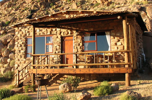 Klein-Aus Vista Eagles Nest Chalets is situated in a lovely desert town.