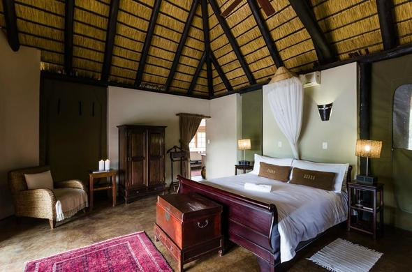 Deluxe Unit accommodation at Monate Game Lodge.