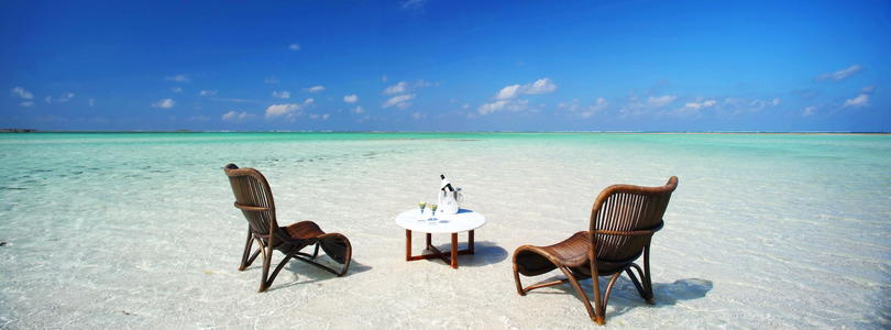 Relax on the beaches of Mozambique.
