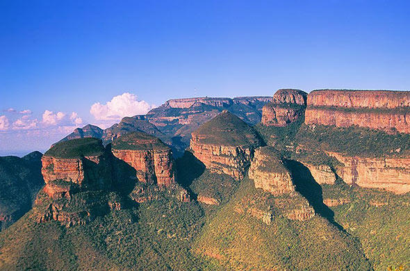 The scenic Three Rondavels at Blyde River Canyon.
