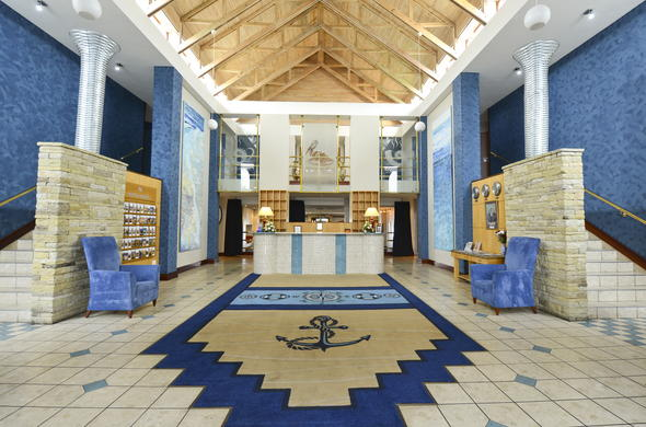 A nautical theme can be seen throughout the reception area of Protea Hotel Pelican Bay.