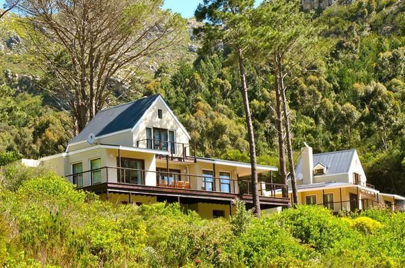 Exterior of Silvermist Mountain Lodge & Wine Estate in Constantia.