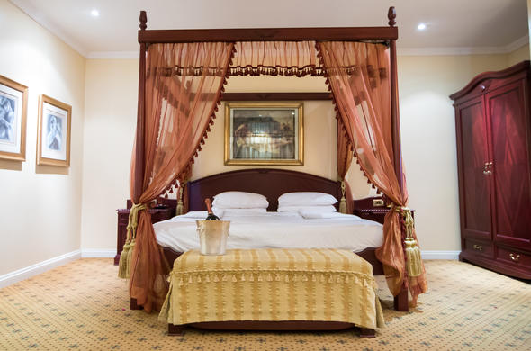 Stanley & Livingstone Hotel offers colonial style accommodation near Victoria Falls.